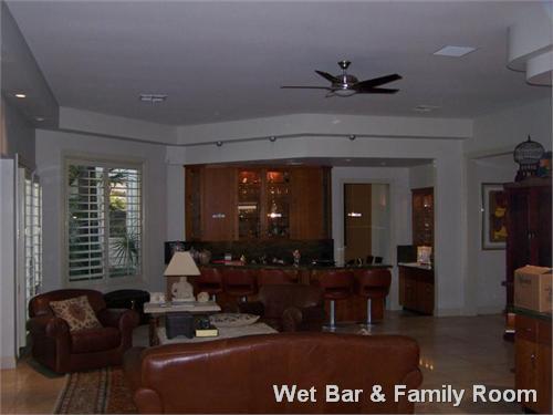 Wet Bar & Family Room